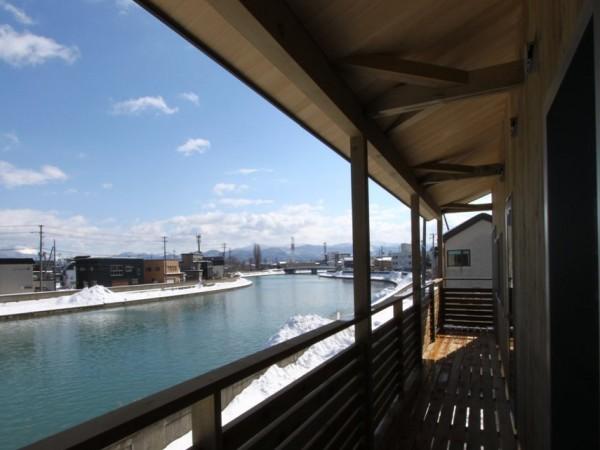New!)川と山を望む眺めのよい家